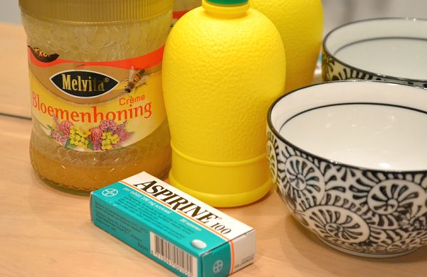 DIY: Aspirine/honing gezichtsmasker | Today's beauty