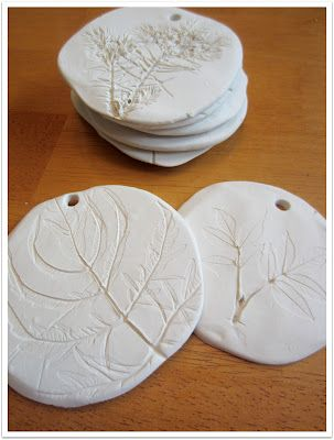 Fossilized Christmas Ornaments! Relentlessly Fun, Deceptively Educational: Teach kids about how fossils are formed, then make some fake fossils by imprinting leaves in clay.
