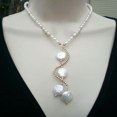 Pearl jewelry is the backbone of every woman's jewelry collection. They are classic, sophisticated and glamorous and today they are not limited to few traditional choices anymore. Every time you wear pearls that deviate from the traditional round shape, white color or a string of hand knotted pearls, you make your own personal statement. If you want to look sporty, elegant during an evening ball, professional when attending a meeting, these necklaces are always a good companion for many…