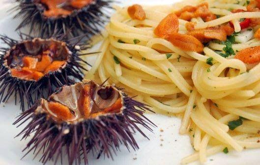 Salento CulTour Idea: Spaghetti with pulp of sea urchins, so sweet !