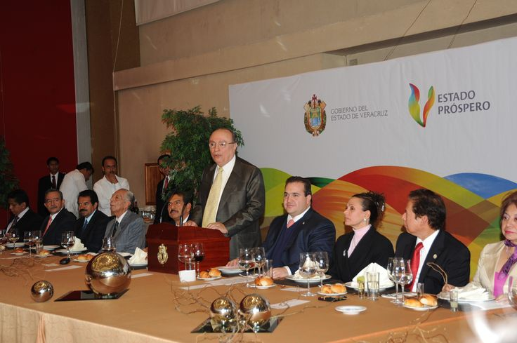 El Gobernador de Veracruz, Javier Duarte de Ochoa, asistió a Comida con los Magistrados Integrantes del Poder Judicial del Estado con motivo de las Fiestas Decembrinas.