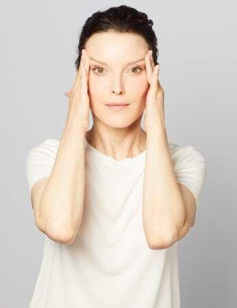 Yoga Facial, Double Menton, Facial Exercises, Anti Aging Facial, Qigong, Poses, Cellulite, Feel Better, Fitness
