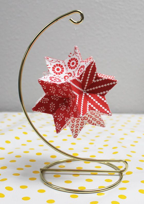 Moravian Star Before Christmas, my friend Nancy found a free pattern online for an English Paper Pieced (EPP) Moravian Star by Jennifer Strauser. Click here for a link to the free PDF of the pattern on the AQS QuiltViews page. Although the last thing I needed was another project, I was intrigued! I enjoy EPP …