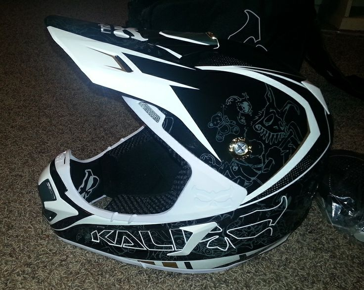 Kali Prana Carbon Helmet Review http://www.ppsmoto.com/reviews/motocross-gear-tests/kali-prana-carbon-helmet-review/ #Kali #Helmet #Motocross