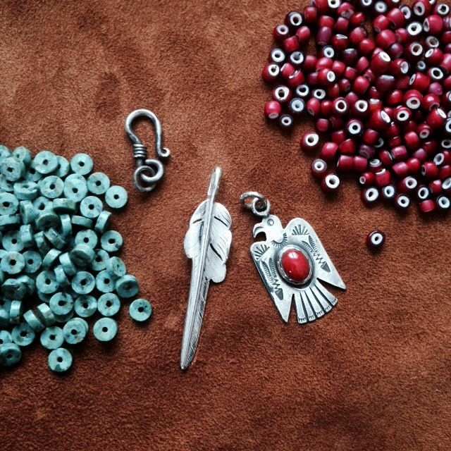 DIY. Larry Smith Feather and Thunderbird. (red coral, silver, jewelry, beads)