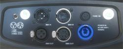 Acceso de conexiones de señal DMX y acometida de corriente común a toda la gama Platinum de Triton-Blue