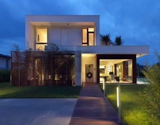 http://huntto.com/italian-modern-home-designs/