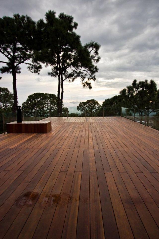 Traumhäuser Modernes Waldhaus Auf Einem Steil Abfallenden Gelände