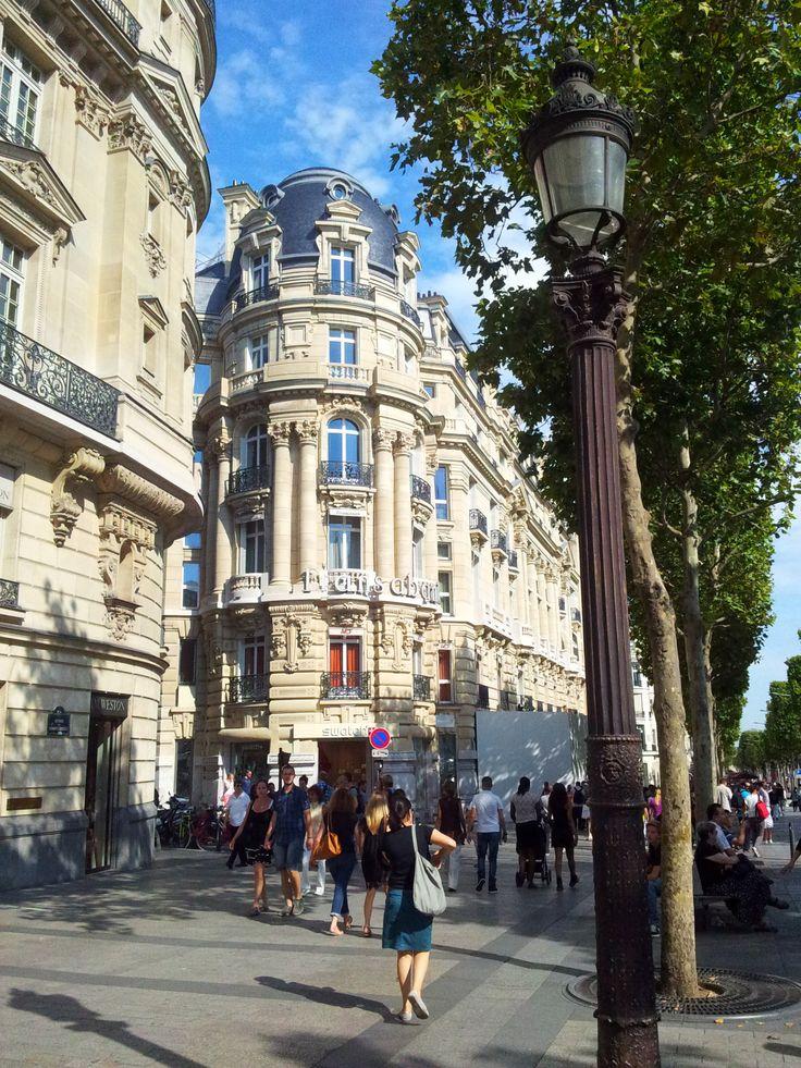 Paris en photo - paris-enphoto:   - Aux Champs Elysées, au soleil...