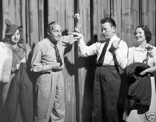Jack Benny (with wife Mary Livingstone) battles Fred Allen (accompanied by his wife Portland Hoffa) in what has to be Old Time Radio Comedy's Greatest Feud