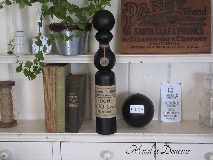 Quille et boule anciennes en bois style indus : Accessoires de maison par metal-et-douceur