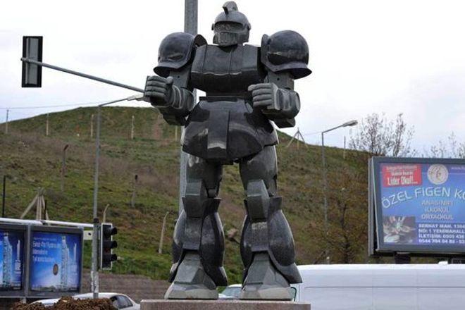 Prefeito da capital da Turquia processado por causa de estátua de robô gigante