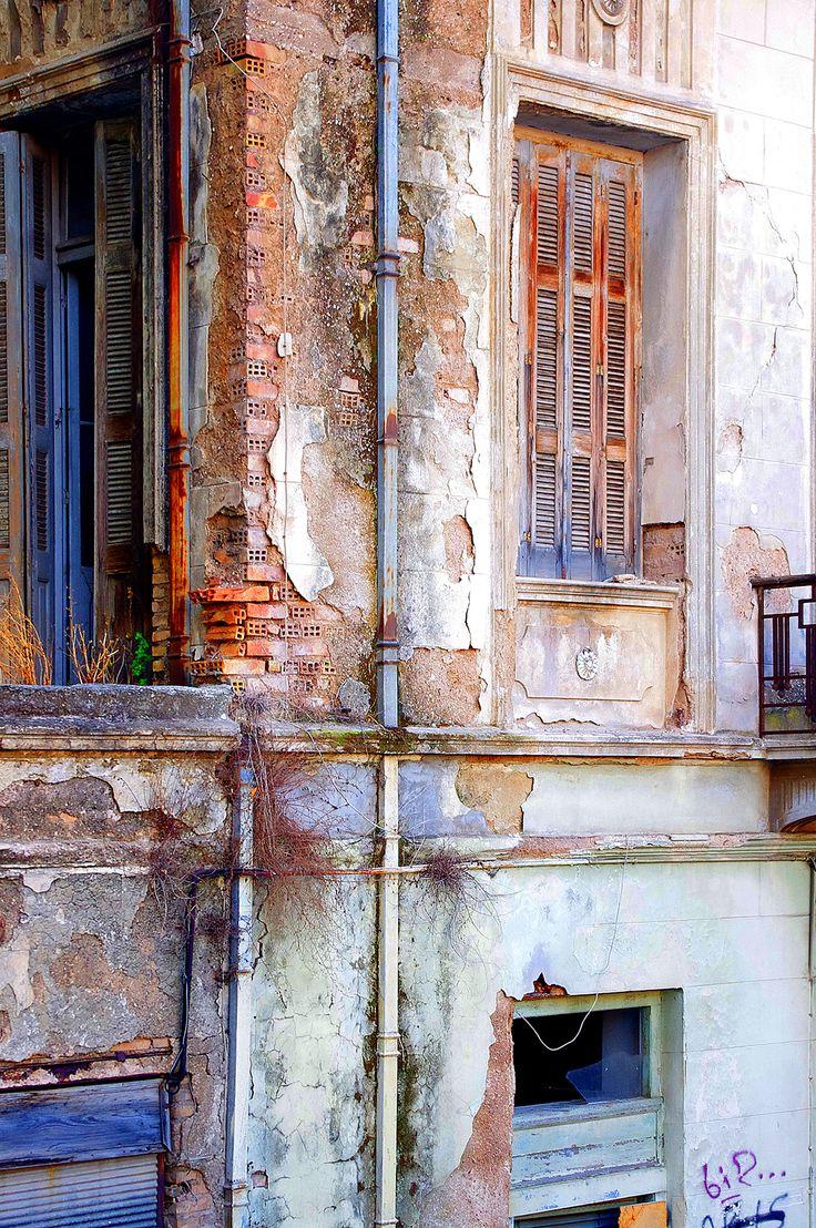 Abandon House (Patras)