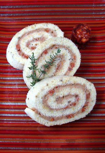 Bûche de Noël amuse gueule : bûche de Noël salée au chorizo - Recette sucré salé: recettes détournées