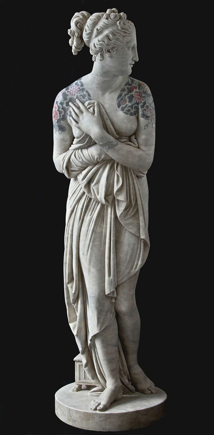 Esculturas clássicas ganharam tatuagens iradas