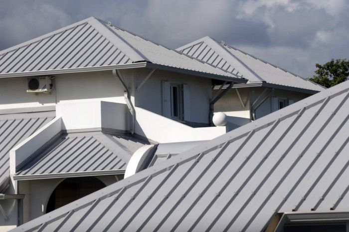 SOMERSET THE ADVANTAGES OF METAL ROOFING When you are choosing between metal roofing and other types, you should be fully aware of what you are paying for and consult with a FH Home Improvement Roofing expert, but here are some of the basics surrounding metal roof systems and The Advantages of Metal Roofing that you can expect.