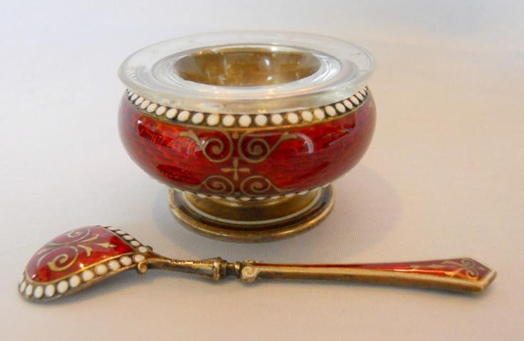 Gustav Gaudernack design. Silver Lined, Red Guilloche Enamel David-Andersen salt cellar and spoon
