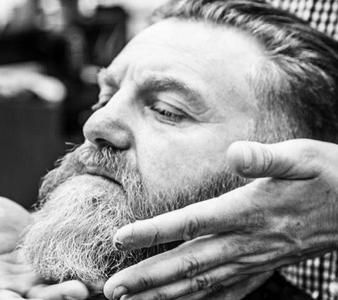 •ROYAL TREATMENT• @grandroyalbarbers is rooted in a rich family tradition of giving customers an experience to remember & it shows on the faces of the folks who are lucky enough to receive the royal treatment. When it comes to beard care they trust Milkman Grooming Co to deliver. If you want to stock Milkman click the pic.