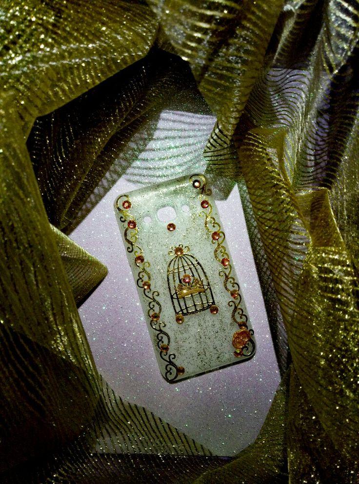🐤💛Total glitter gold e gabbietta shabby chic style per Ilaria....grazie per aver scelto una creazione CreaCi🐤💛 #creaCi #colcuore #creation #creativity #creativita #handmade #covercase #coverpersonalizzate #chabbychic #swarovski #strass #glitter #glamour #samsungcase #samsunggalaxyj5 #fashionweek