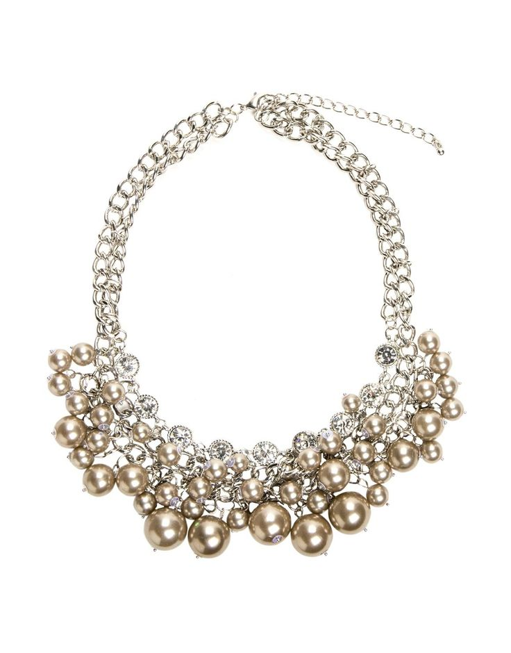 Short Chunky Pearl Necklace