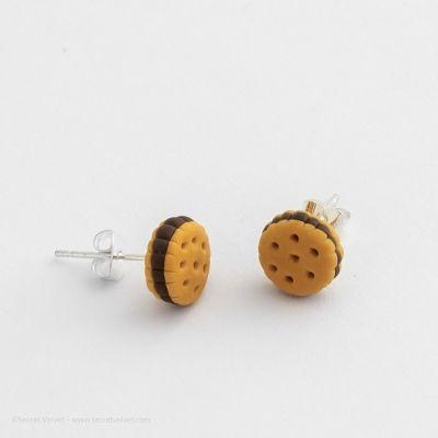 Boucles d'oreilles puces biscuits                                                                                                                                                                                 Plus