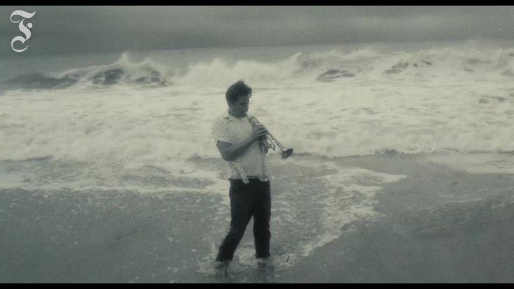 """In """"Born to be Blue"""" spielt Ethan Hawke die Jazz-Legende Chet Baker. Ein Film für Romantiker und alle, die sich etwas über die Kraft der Liebe erzählen lassen wollen. faz.net/-gs6-8ykb0?GEPC=s6"""