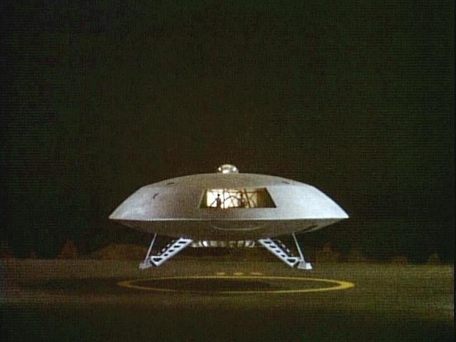 a spaceship landing on jupiter - photo #7