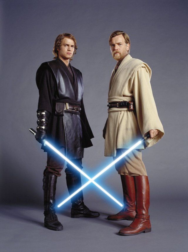 Ewan McGregor and Hayden Christensen in Star Wars: Episodio III - La venganza de los Sith