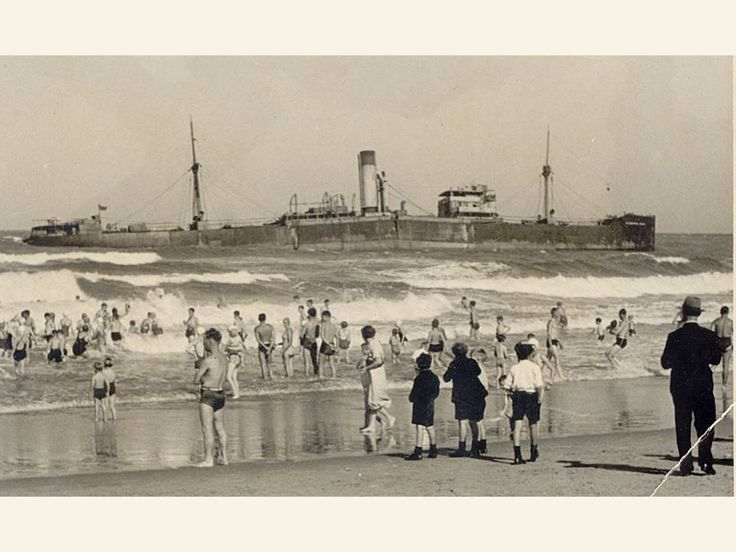 The wreck off Addington Beach before it sank. Nov 1940