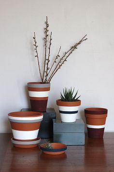 THAT is how you paint a flower pot!!