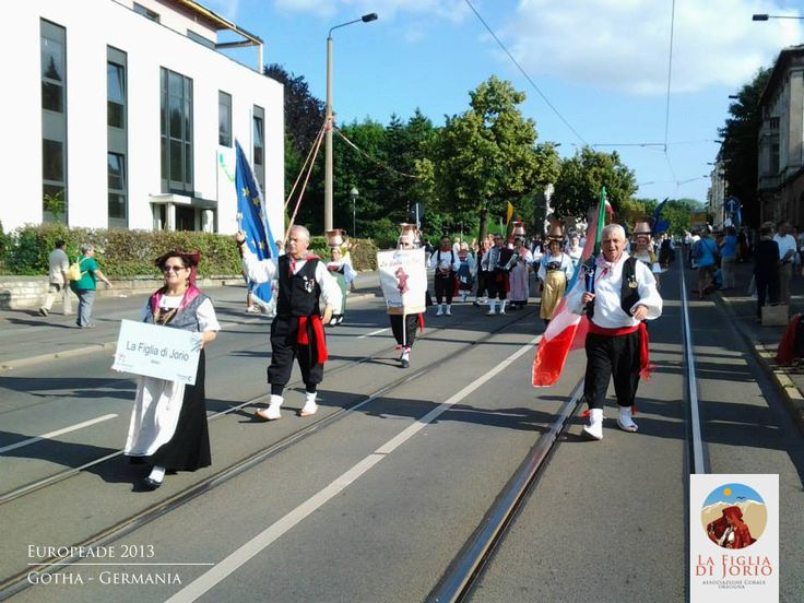 Il coro popolare abruzzese durante la Europeade del 2013 a Gotha - www.corolafigliadijorio.it