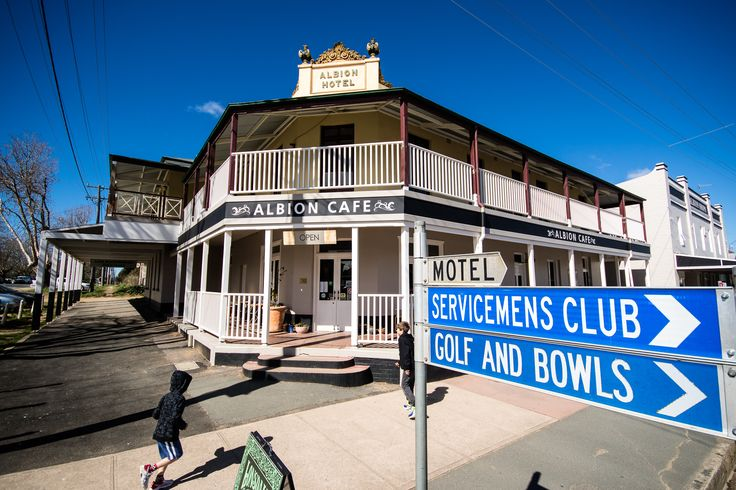 just around the corner from Garanvale Woolshed is the Historic town of Braidwood.