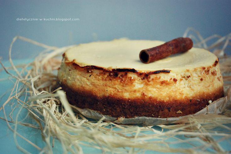 Moje Dietetyczne Fanaberie: Lekki sernik cytrynowy na cieście marchewkowym