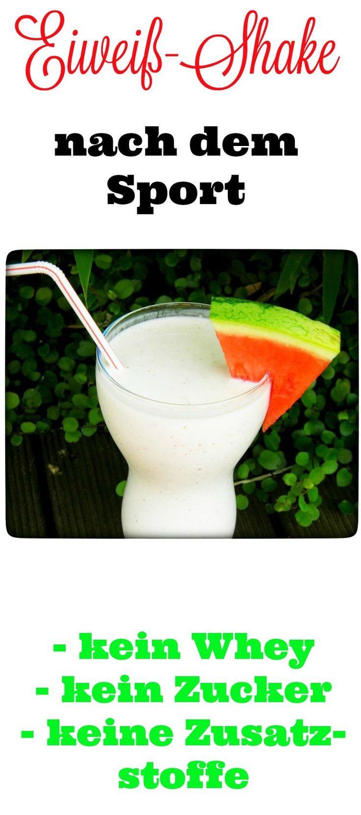 Ein selbst gemixter Eiweißshake nach dem Sport. Ohne Whey-Proteinen, ohne Zusatzstoffe, Geschmacksverstärker oder Süßstoffe.