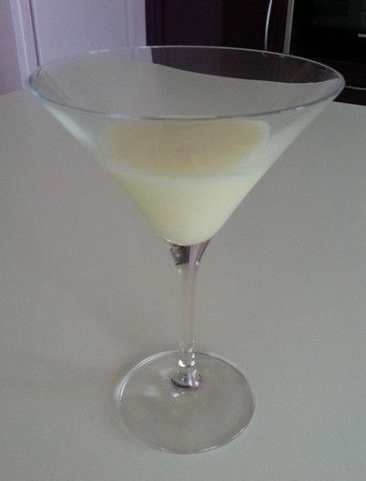 Recette du crémas Haïtien, une boisson alcoolisée à base de rhum et de lait de coco pour célébrer un évènement, un mariage ou une fête en Haiti.