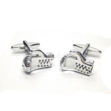 Gemelli in metallo rodiato a forma di guantoni da boxe/ Boxe cufflinks http://www.ilvillaggiodeglisposi.com/