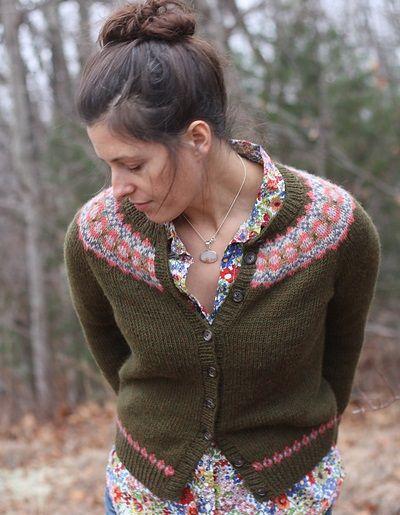 Ellen Cardigan, de Amy Christoffers. http://www.ravelry.com/patterns/library/ellen-cardigan-2