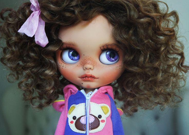"OOAK Custom Blythe Doll ""MORGANA"" by Cihui by BlythebyCihui on Etsy https://www.etsy.com/listing/506523472/ooak-custom-blythe-doll-morgana-by-cihui"
