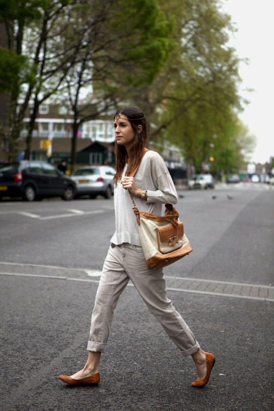 Style | Gala Gonzalez  L: love this fit of cotton pants. The top has a lovely drape that keeps the ensemble from being boyish