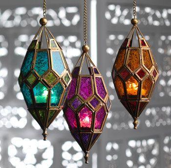 Lámparas de cristal.                                                                                                                                                     Más