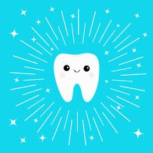 Vetor: Healthy white tooth icon with smiling face. Cute cartoon character. Round line circle. Oral dental hygiene. Children teeth care. Shining effect stars. Bright blue background. Flat design.