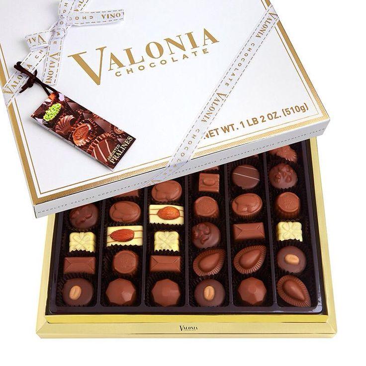 Kurumsal ya da Koleksiyon bir ürüne özel bir lezzet. Pelit Çikolatanın enfes el yapımı spesiyal kutu çikolatasını şirket çalışanlarınız ya da müşterileriniz ile paylaşabilirsiniz