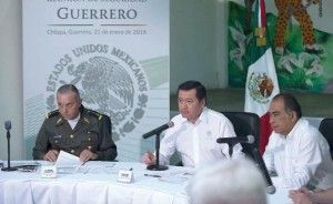 El gobierno federal anunció la construcción de un cuartel militar en el municipio de Chilapa, Guerrero, así como el reclutamiento de personal para incorporarse a la Fuerza Estatal de la entidad para hacer frente al crimen organizado. Al dar a conocer la edificación de las instalaciones, el secretario de Gobernación, Miguel Ángel Osorio Chong, […]