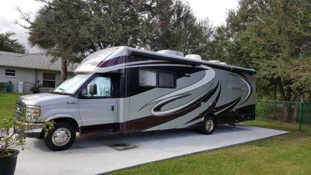 2009 Used Jayco Melbourne 29D Class C in Florida FL.Recreational Vehicle, rv, 2009 Jayco Melbourne 29D, A/C, HIGH CAP CENTRAL-COACH ALARM, CARBON MONOXIDE AWNING, PATIO AWNINGS, SLIDE-OUT BEDSPREAD, QUILTED BRAKES & STEERING, POWER CABLE HOOKUP, TV CAPS, FRONT & REAR FIBERGLASS CARPET, Living & Bedroom with pad CEILING, VTNYL COMMAND CENTER, INTERIOR CRUISE CONTROL Doors/DRAWERS, MAPLE CABINETRY FAUCET, W/ S PRAYER - KI TCHEN FURNACE, Auto-IGN w/Thermostat GENERATOR, 4OOO WATT GUIDES, DRAWER…