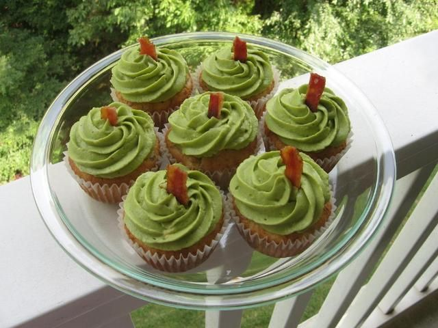 Fleurinc: Cheddar Chive Bacon Cupcakes With Avocado