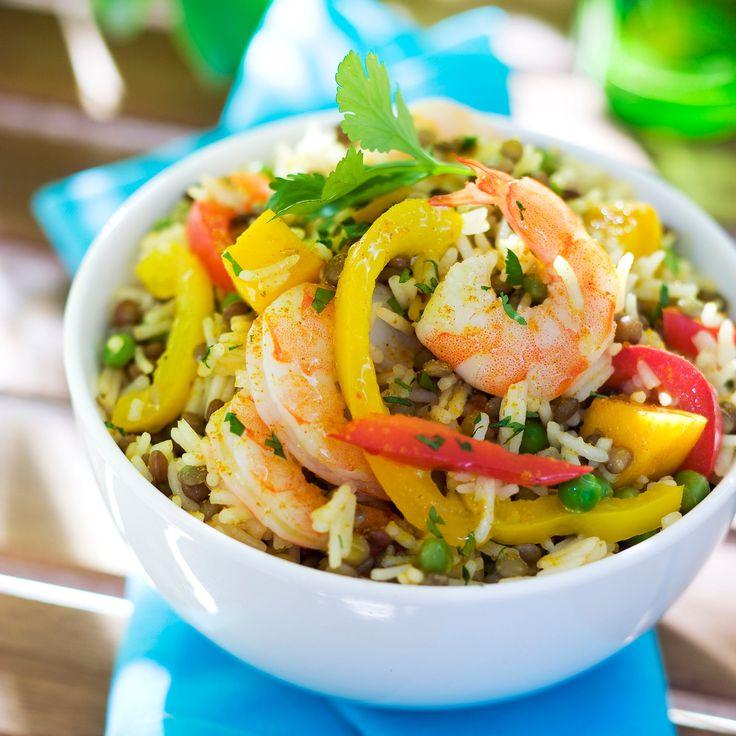 Découvrez la recette Salade de riz indienne aux crevettes sur cuisineactuelle.fr.
