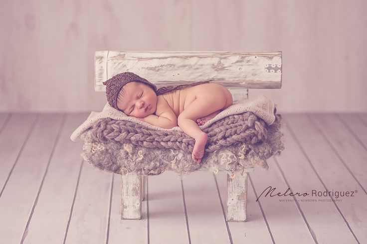Andrés <3 Con sus 7 días vino a nuestra Newborn Posing Class Gracias Analia Russman por ser parte y prestarnos a esta belleza por un ratito! melero rodriguez newborn photography © 2016 #workshopfotografianewborn #melerorodriguez #newbornphotography