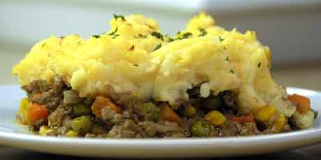 "Shepherd's Pie with ""Squashed"" Potatoes - Eat, Shrink and Be Merry - I made this last night. This is an amazing shepherd's pie. The topping is so yummy! Enjoy, Leah"