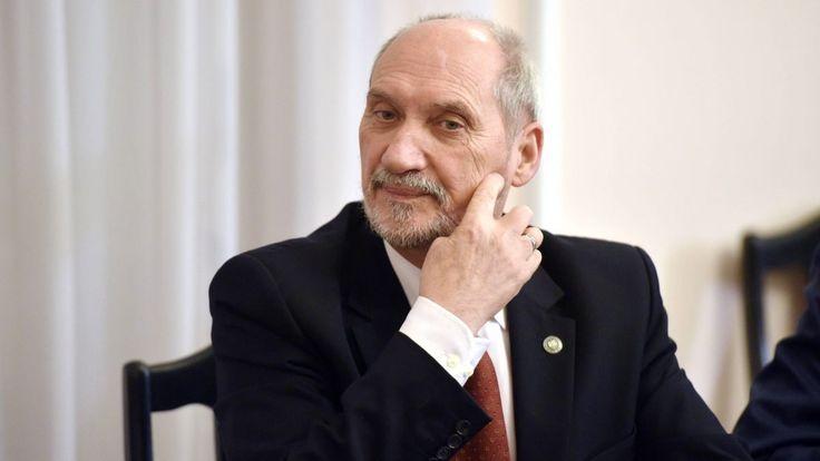 Fakt dotarł do listu, jaki szef słowackiego MON Martin Glváč wysłał tuż przed świętami do Antoniego Macierewicza. Wynika z niego wprost, że Słowacy nie mieli pojęcia o nocnym wejściu do Centrum Eksperckiego Kontrwywiadu NATO w Warszawie.
