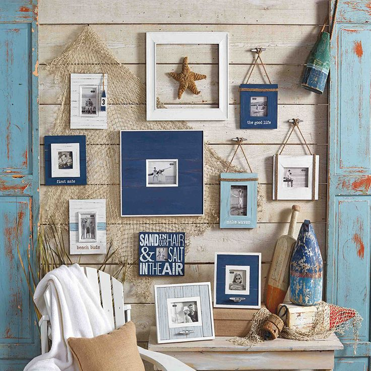 25 best beach wall decor ideas on pinterest for Blue themed living room ideas